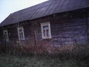 Породам частный участок с домиком в тихой деревне